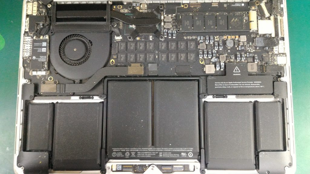 MacBook Pro Retina13.3inchメイン基盤①
