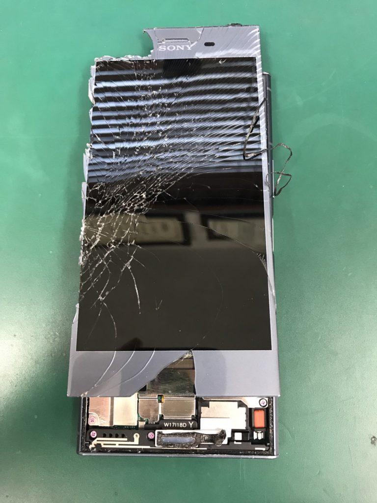 Xperia XZ1画面割れ修理工程3
