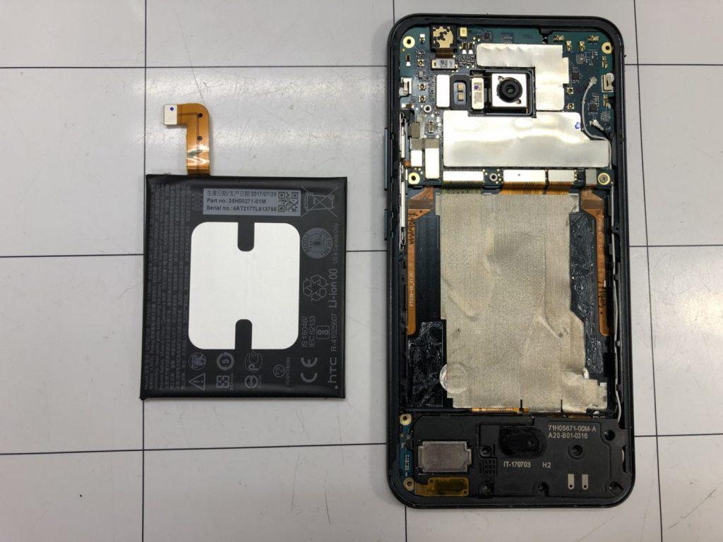HTC U11画面割れ修理⑤