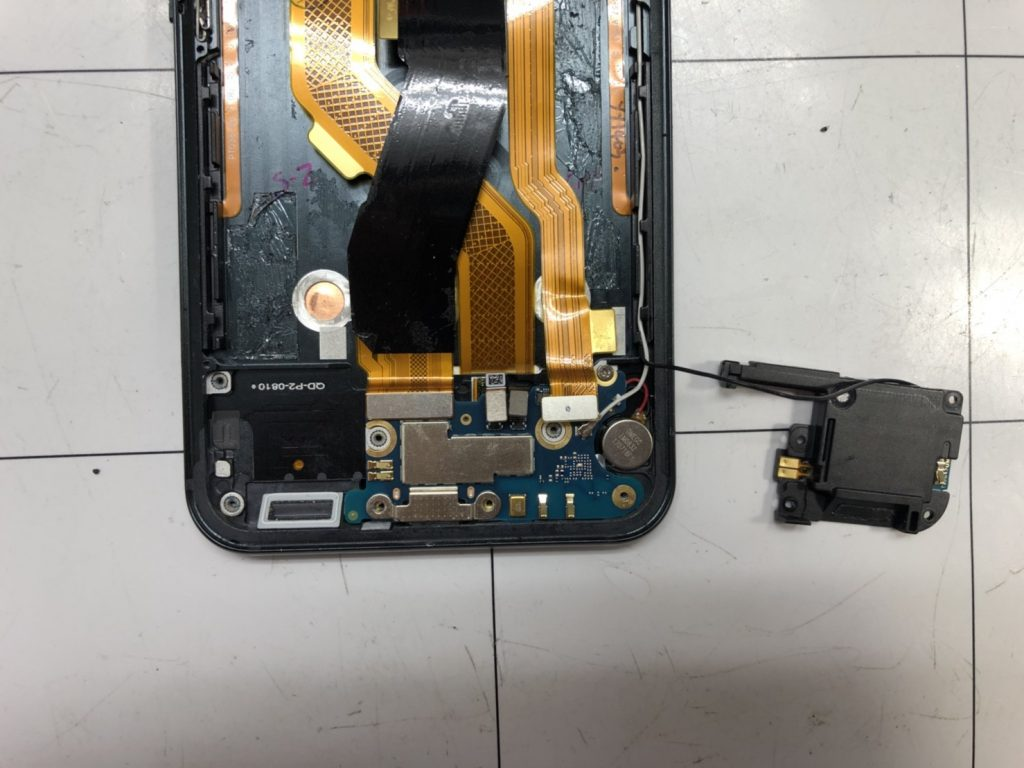 HTC U11画面割れ修理⑦